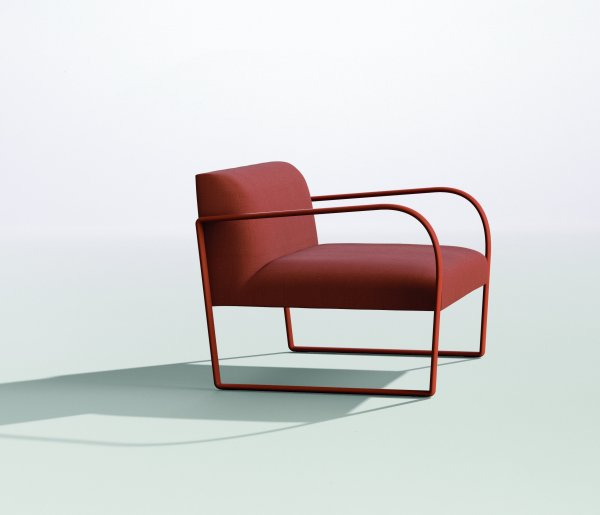 Arcos easy chair by Arper
