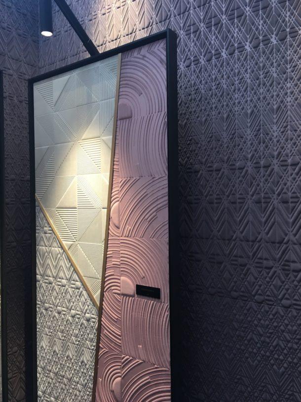 Arte International textured wallpaper